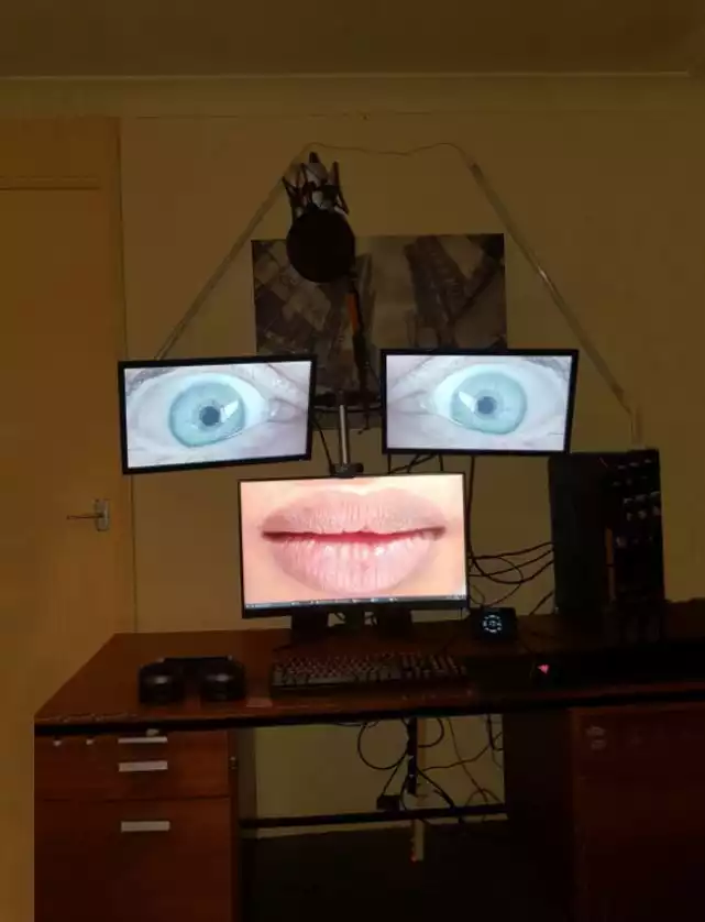 19 People Who Have Done Strange Things With Their Computers and Gone Viral