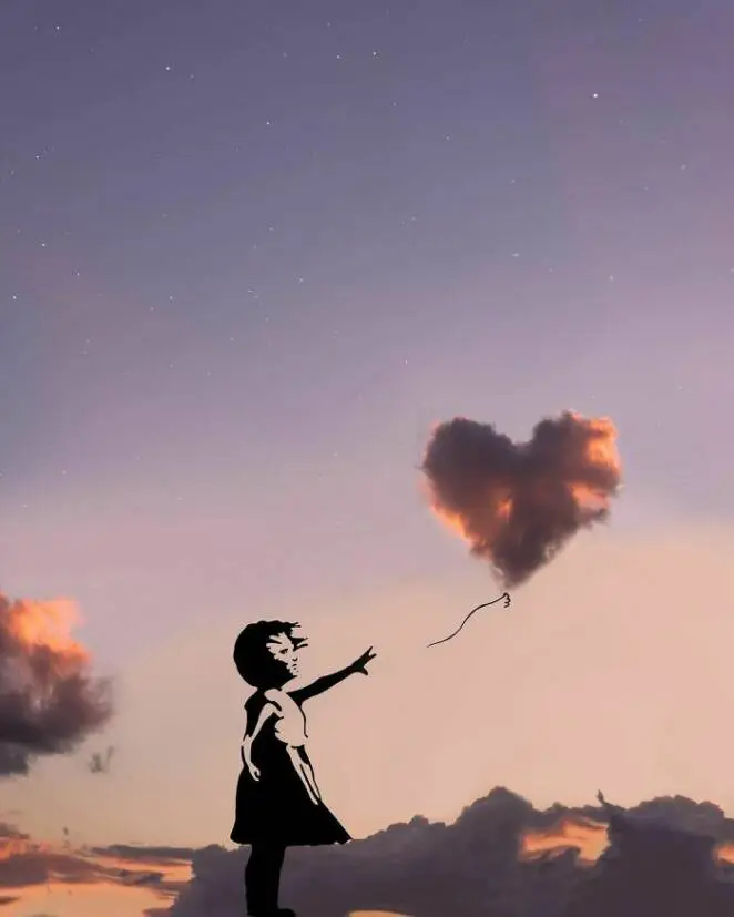 25 Romantic Compositions With Night Sky and Clouds in the Main Role. Dream on…