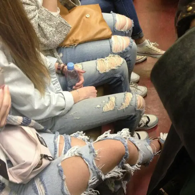 25 People Who Fell Victim to Fashion and Left Home Without Looking in the Mirror