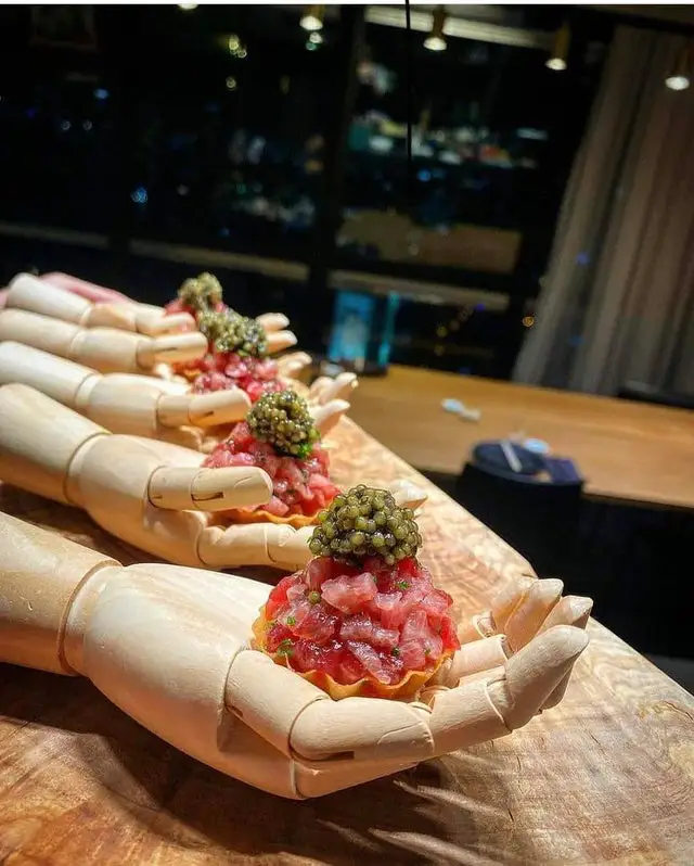 23 Chefs Who Want to Stand Out and Serve Dishes in Unconventional Ways