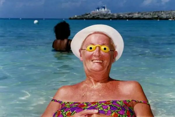 20 Fun Photos Proving That Everyone Discovers Their Joker Soul While on Vacation
