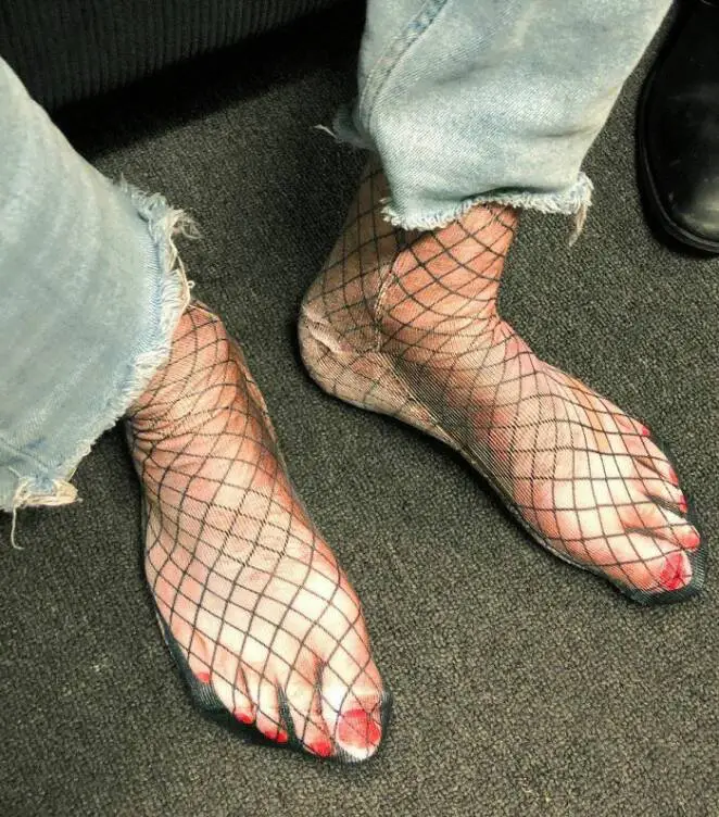 24 Clothing Designs That Could Be Considered a Fashion Disaster