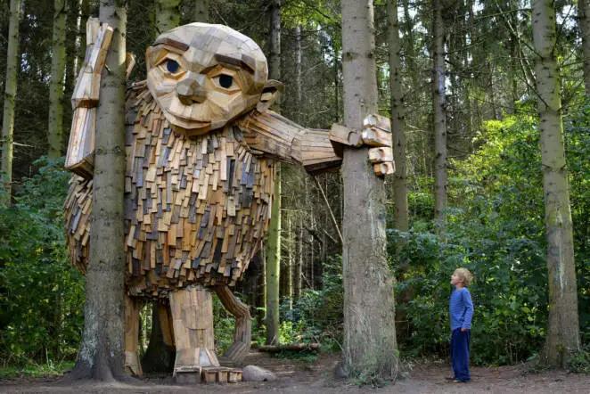 Recycling Art – 14 Wooden Giants by a Scandinavian Artist