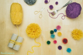 2-incredible-ways-to-make-yarn-pom-poms01