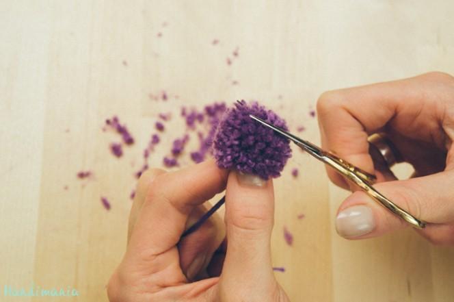 2-incredible-ways-to-make-yarn-pom-poms14