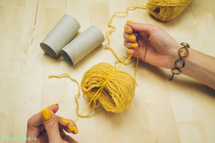 2-incredible-ways-to-make-yarn-pom-poms23
