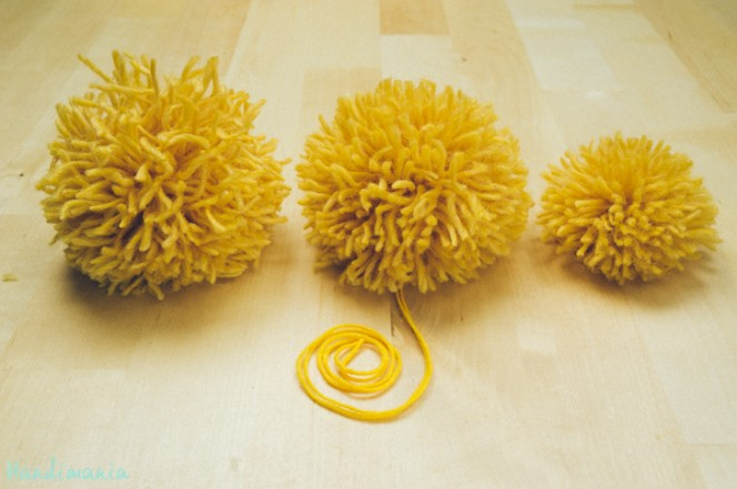 2-incredible-ways-to-make-yarn-pom-poms29