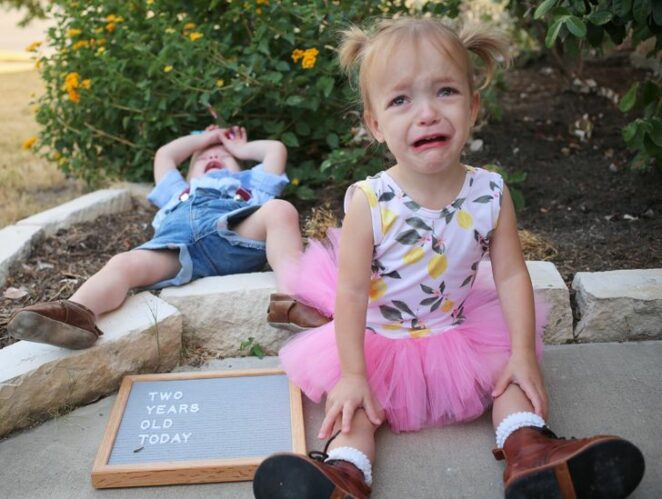 20 Photos that Show How Strange Yet Adorable Being a Mom and Dad Can Be