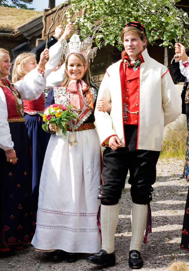 36 Traditional Wedding Dresses from around the World. In These Countries, A White Dress Is a Rarity