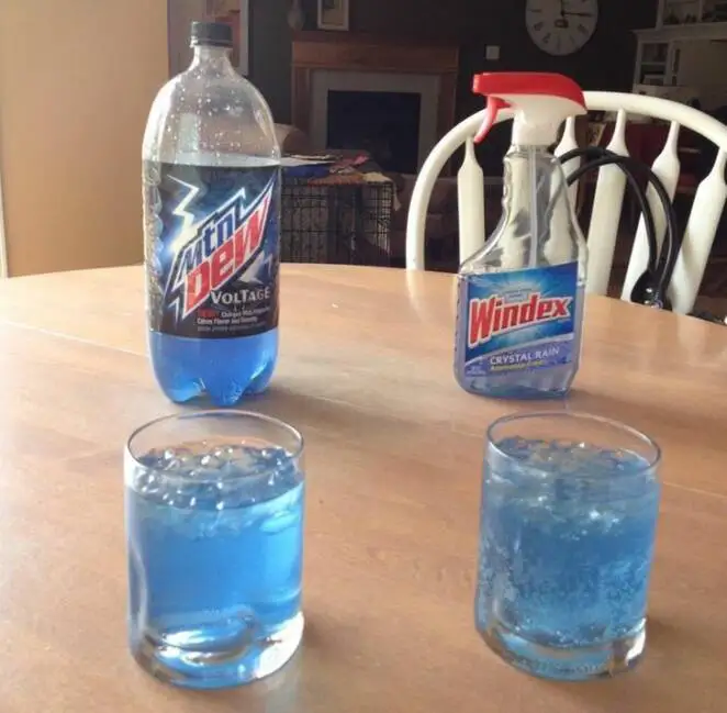 17 Amazing Coincidences. It' Hard to Believe the Photos Are Real