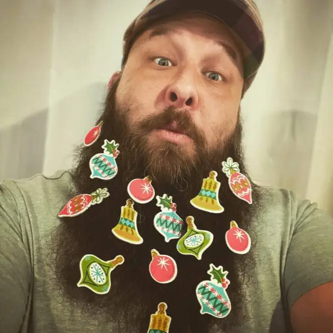 Do You Wear Beard, Therefore Every Holiday Automatically Pretend to Be Santa? Become a Christmas Tree Instead!