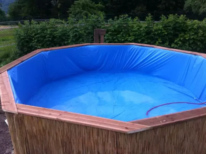 Making a Backyard Pool from Pallets. Easily Done in a Few Hours!