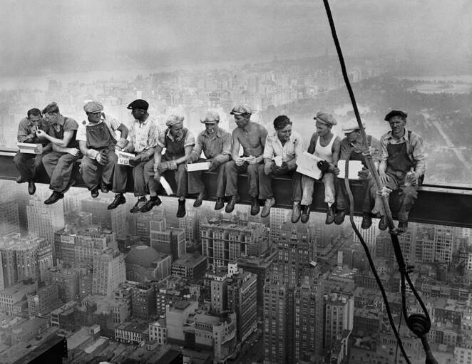 10 Famous Photographers Who Fooled the World with Their Work