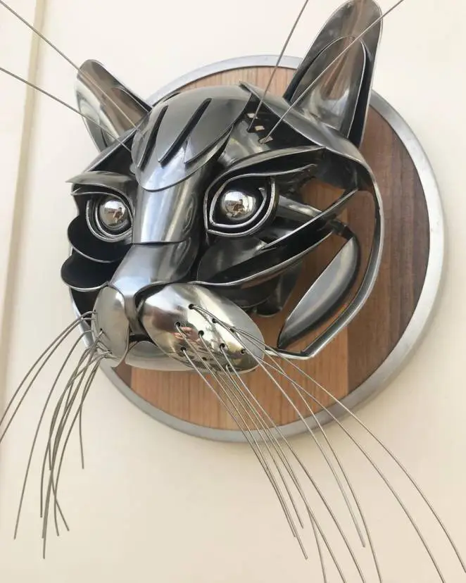 18 Amazing Animal Sculptures Made from… Cutlery!