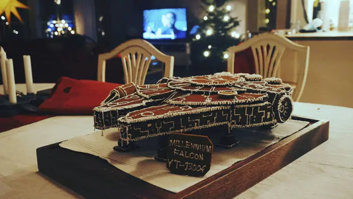 "Gingerbread Houses Are A Relic! Time For A Spaceship From ""Star Wars"""