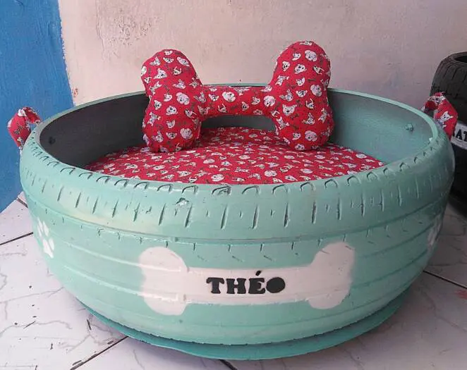 A Brazilian Man Collects Old Tires and Turns Them Into Pet Beds. Practical Recycling