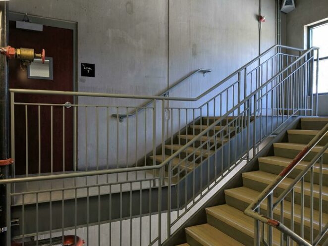 20 Badly Designed Staircases That Pose a Danger to Their Users