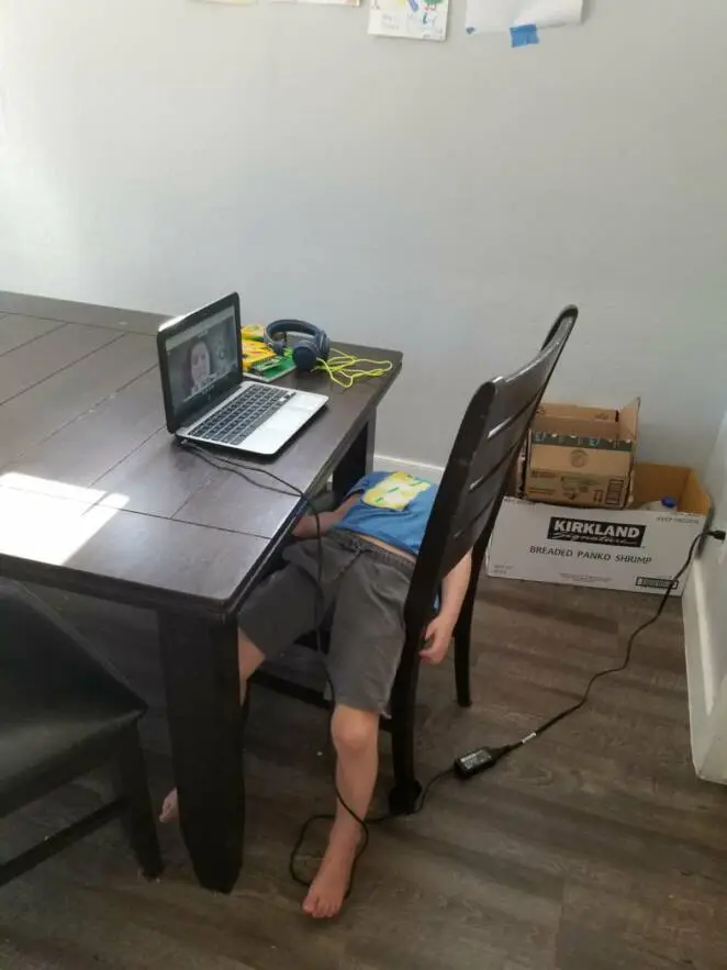 10 Kids Who Struggle With Online Lessons. For Some of Them It's Too Difficult Task