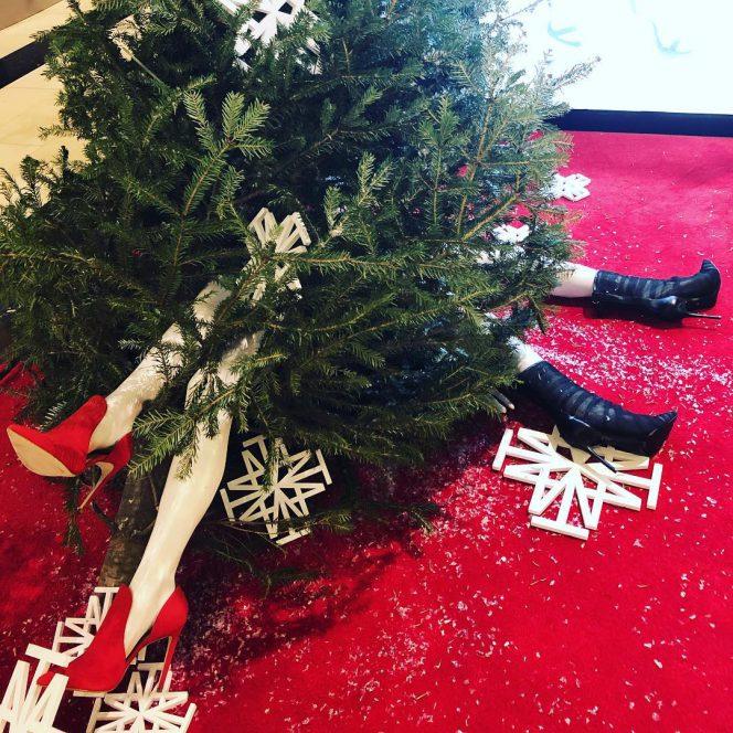 Christmas tree legs
