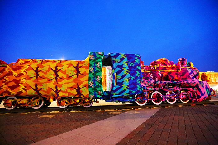 Colourful-Crochet-Locomotive-03