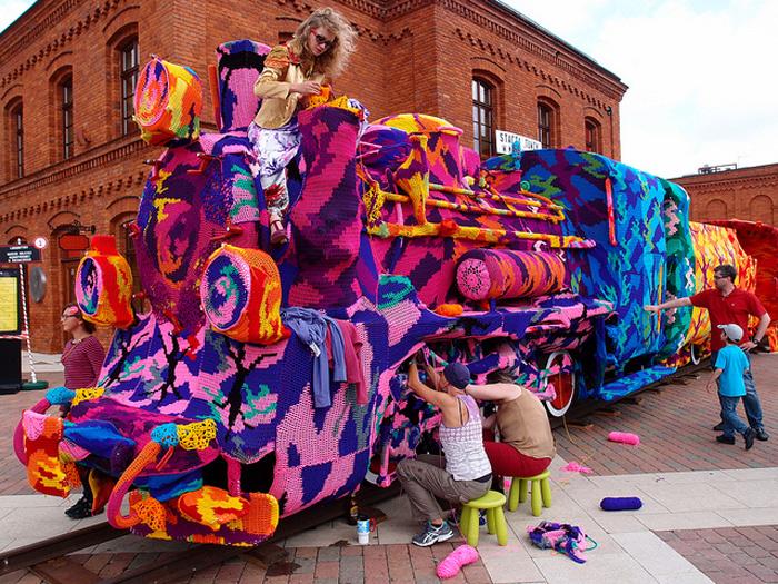 Colourful-Crochet-Locomotive-04