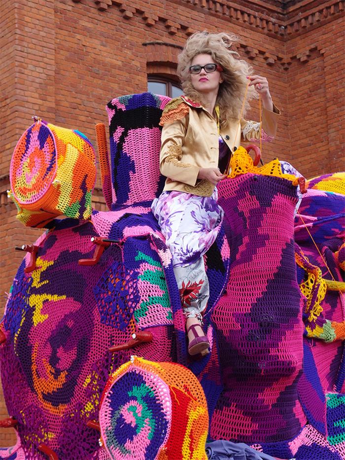Colourful-Crochet-Locomotive-05