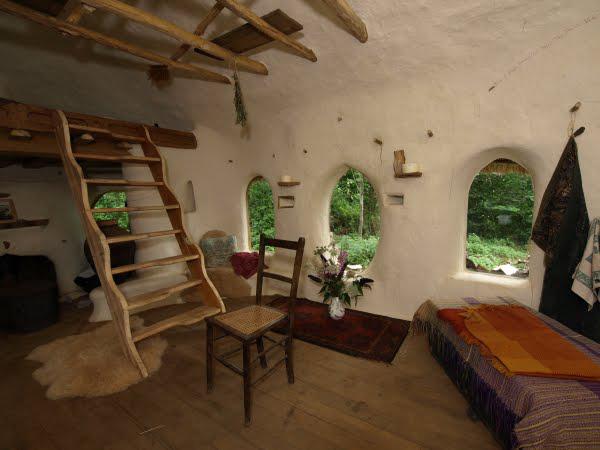 Eco-friendly-Hobbit-House-03