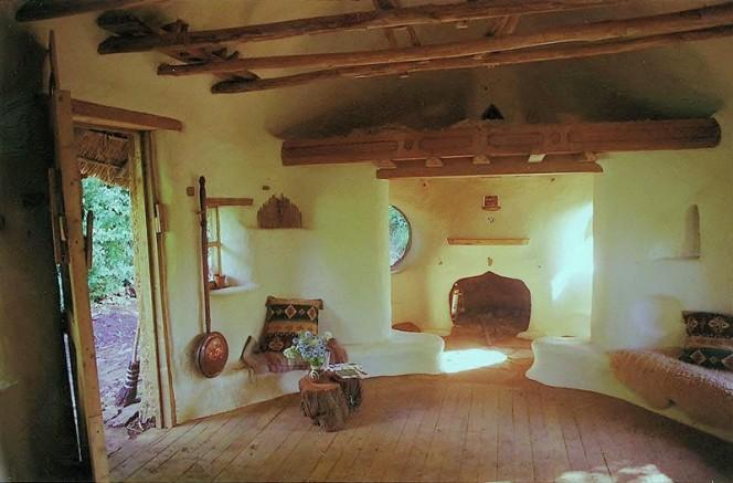 Eco-friendly-Hobbit-House-06