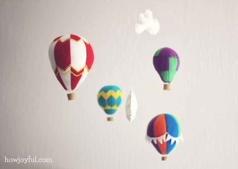 Felt-Hot-Air-Balloon-Mobile-01