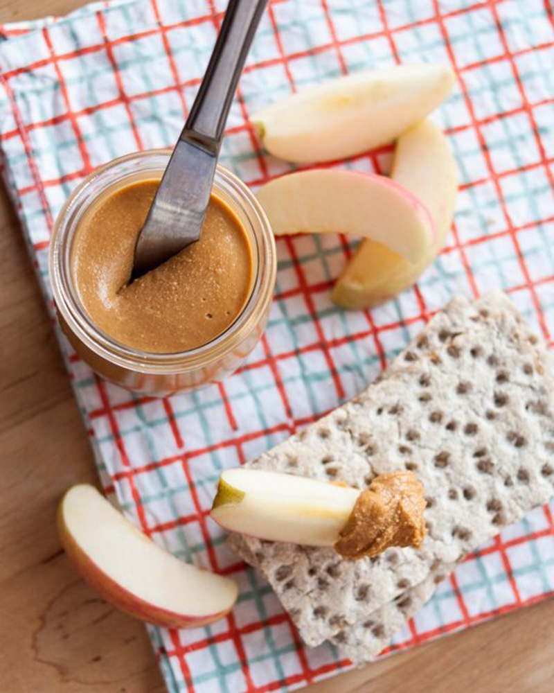 Homemade-Peanut-Butter-01