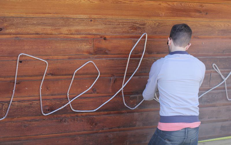 Homemade-Rope-Light-Sign-04