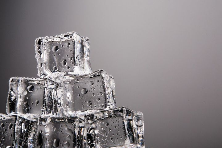 Why Are Certain Ice Cubes Clear While Most Others Are Cloudy?