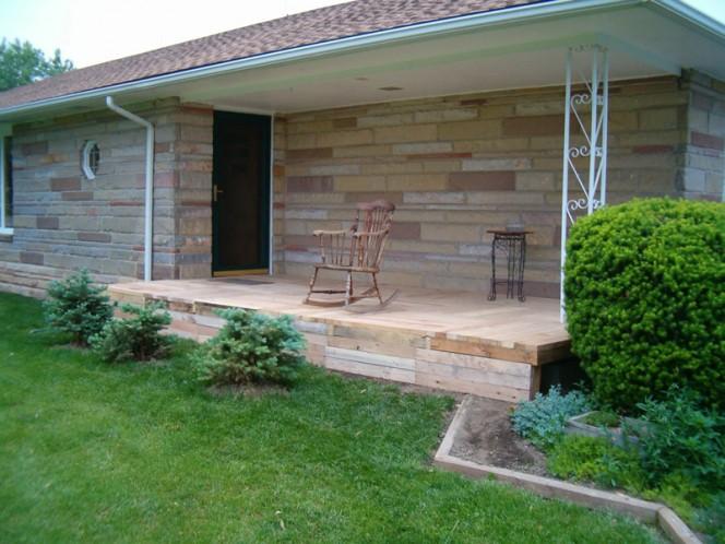 Pallet-Wood-Front-Porch-04