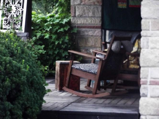 Pallet-Wood-Front-Porch-08