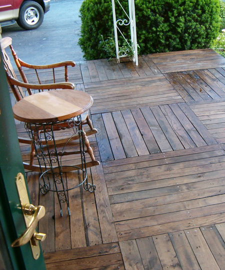 Pallet-Wood-Front-Porch-fi