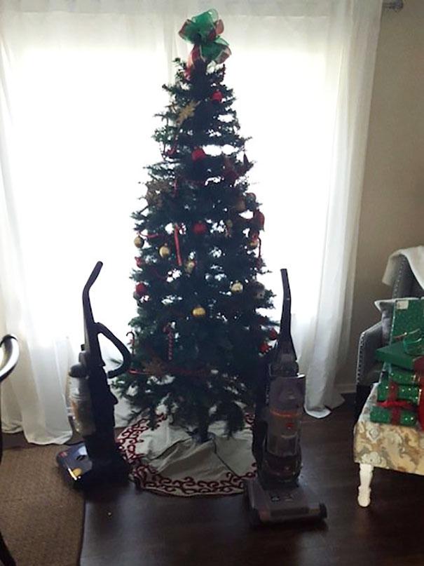 Pets Christmas tree 1