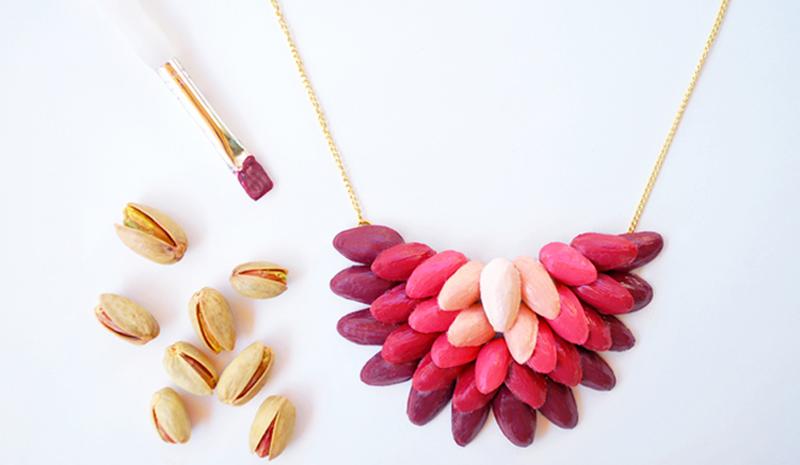 Pistachio-Shell-Necklace-02