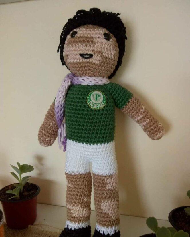 A Brazilian Granddad Crochets Dolls That Look like Children Suffering from Vitiligo