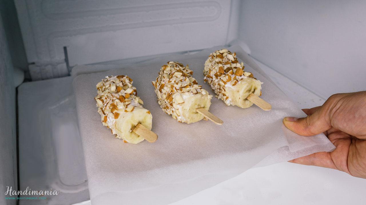 banana-yogurt-popsicles-16