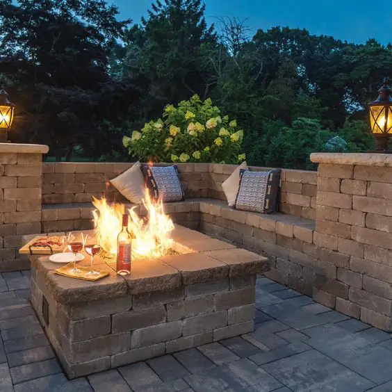 15 Cheap Ways to Have a Campfire in Your Backyard. Perfect For Cooler Summer Evenings!