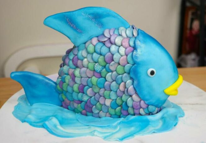 23 Confectionery Masterpieces That Look Too Marvellous to Be Eaten