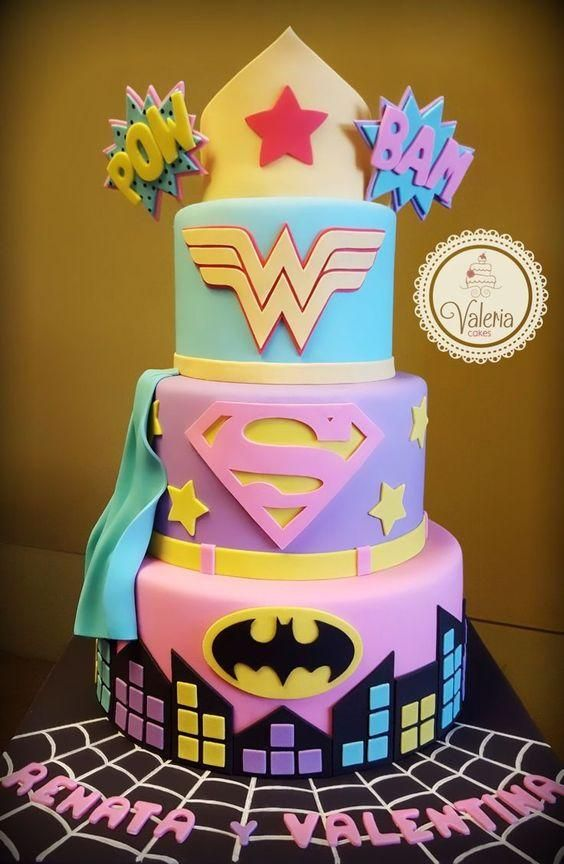 18 Original Cakes That All Fans of Comics and Movies About Superheroes Will Fall For!