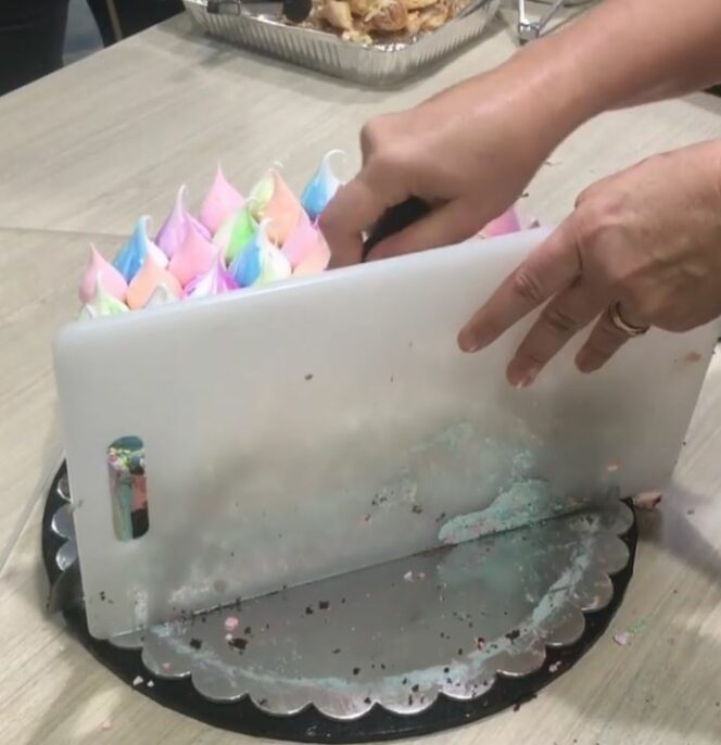 An Australian Master-Confectioner Gives Away Her Cake-Cutting Trick. The Film Has Been Watched Well over 1.5 Million Times!