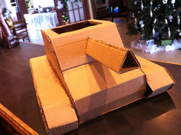 cardboard-box-tank-01