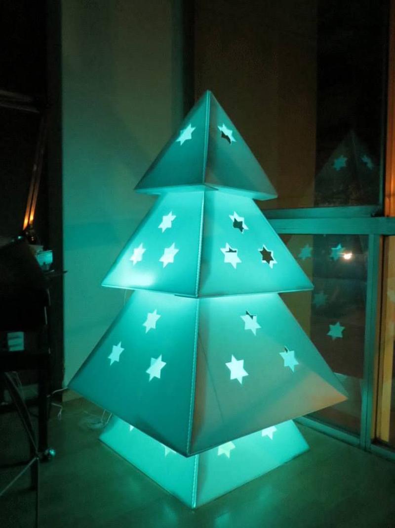 cardboard-christmas-tree-03