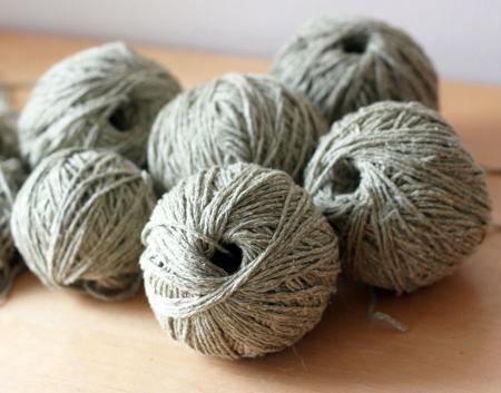 centre-pull-ball-of-yarn-fi