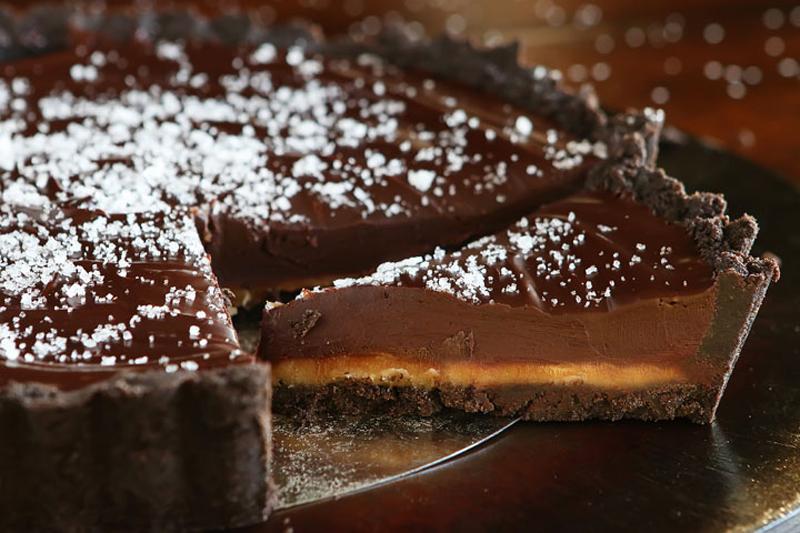 chocolate-caramel-oreo-pie-02