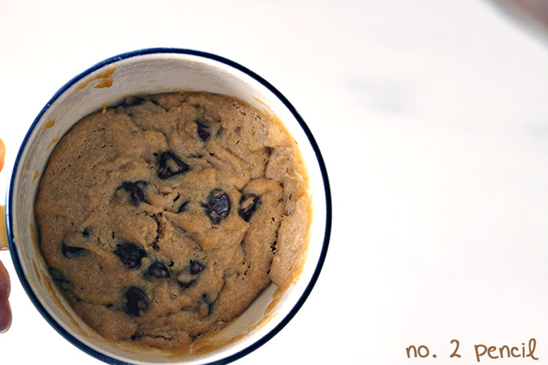 chocolate-chip-cookie-in-a-mug-02
