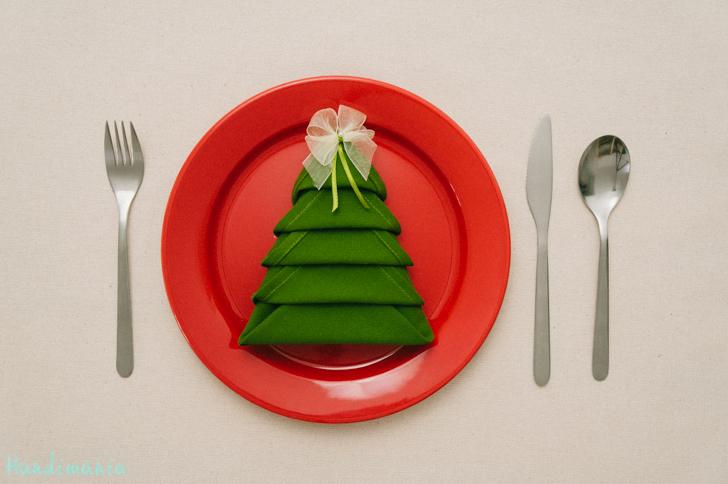 How to Make Christmas Tree Napkin Fold - All Steps - DIY & Crafts ... | 484x728