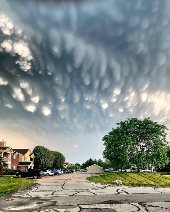 15 Amazing Clouds That Stimulate Our Imagination and Leave Us Breathless